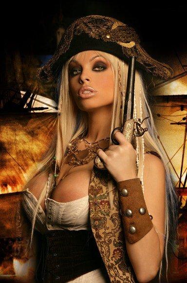 golaya-nyanya-vika-v-kostyume-piratki